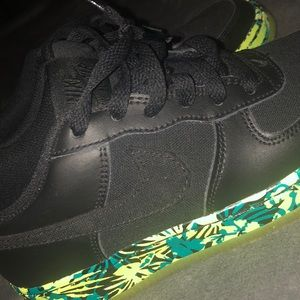 Black air forces colorful bottom